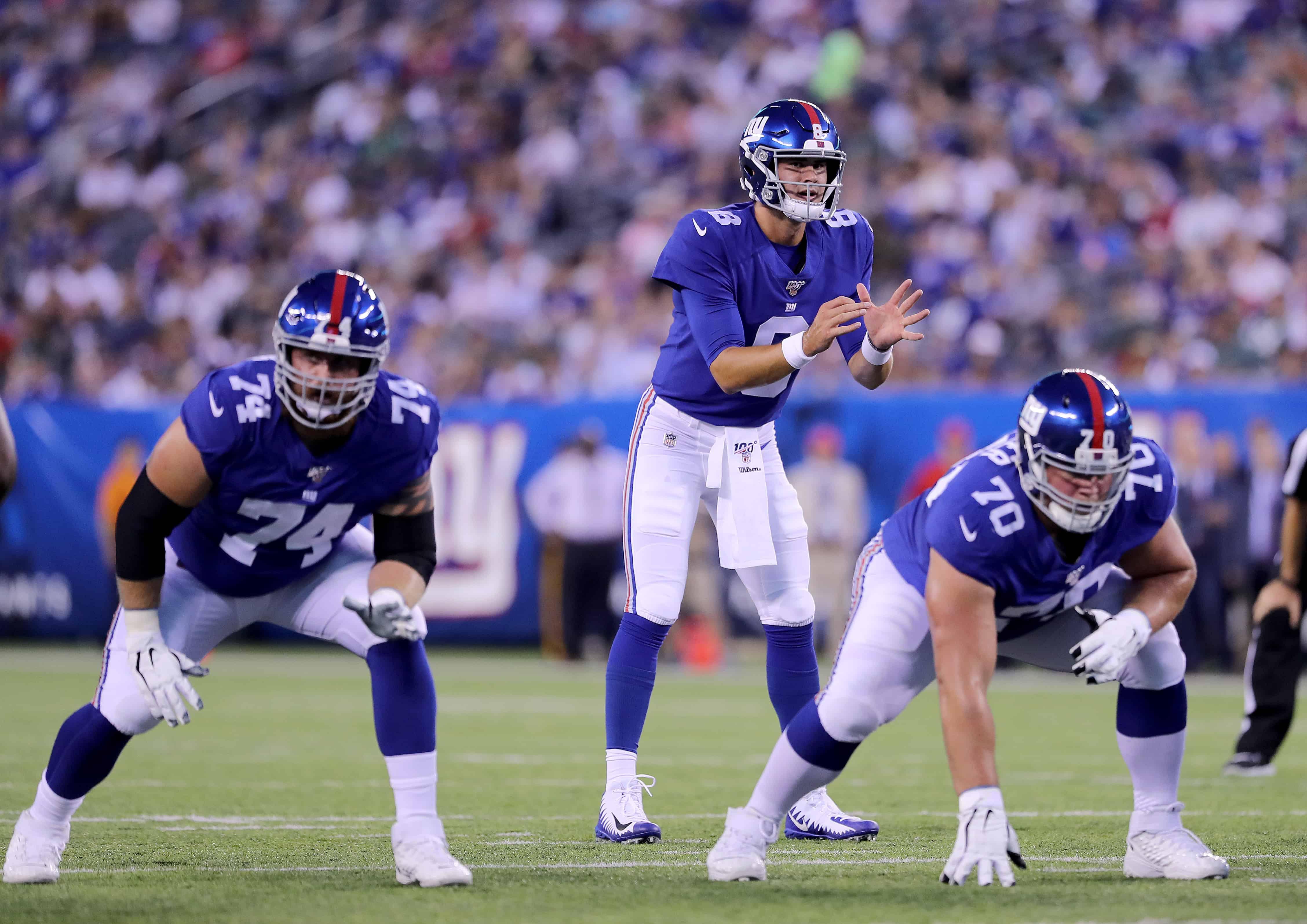 QB Daniel Jones New York Giants takes a snap